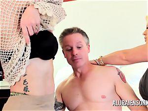 mummy detective Alura Jenson 3 way fucky-fucky