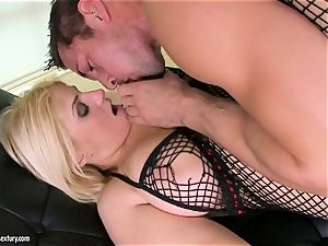 Brooklyn Bailey loves the beefy sword working stiff to explode on her