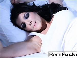 Solo joy on the bed with the chesty superstar Romi Rain
