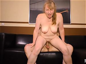 SEXTAPE GERMANY - German mature brown-haired drilled stiff