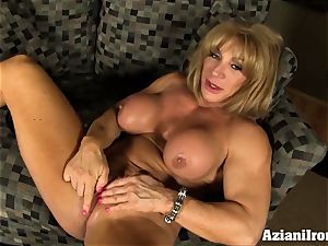pussy pumping pearl joy with a fantastic powerful women