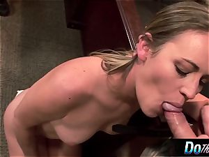steaming wifey Daisy Layne screws and licks spunk