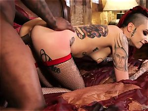 ebony instructor extra trains playful suicide-girl Leigh Raven
