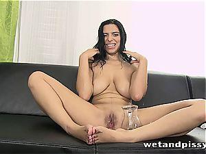 hottie Kira princess makes her stockings a mud with pee