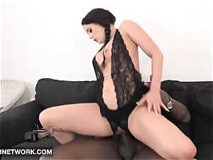 Mature stunner gets cunt and assfuck ravaged gonzo fucky-fucky vid