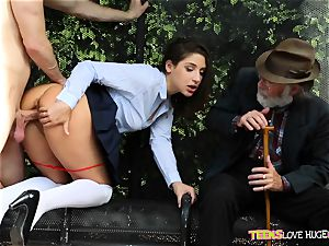 hilarious situation of vagina plunged daughter and her granddad witnesses at bus stop - Abella Danger and Bill Bailey