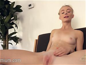 Maddy Rose loves to have fun for you
