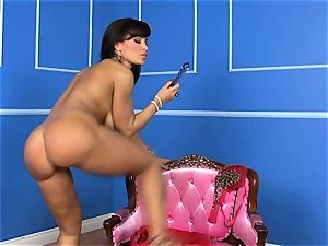 mind-blowing Lisa Ann plunges her fuck stick deep in her moist muff