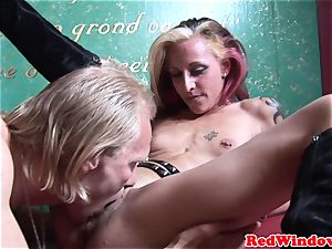 Alternative dutch escort gets pussynailed