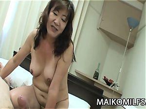 Michiko Okawa - JAV Oldie raw vulva poked