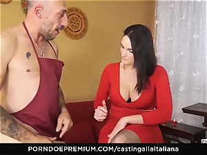 audition ALLA ITALIANA - busty black-haired enjoys moist ass-fuck