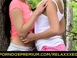 RELAXXXED luscious lesbo babes frigging in the forest