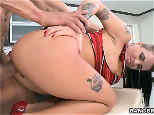kinky Christy Mack penetrated in the kitchen