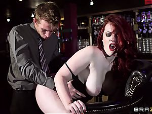 redhead Jaye Rose uses her orbs to get the job