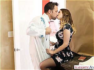Stella Cox humps the painters