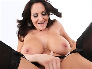 mummy Ava Addams gets her face adorned in jizm