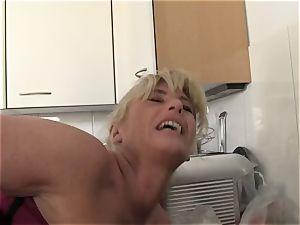 xxxOmas - Ficksahne für Oma - german porno