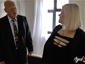 AgedLovE Mature female Lacey Starr throating rigid pink cigar