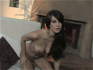 Talia Shepard deep throats her fingers before gliding them in her juice crevasse
