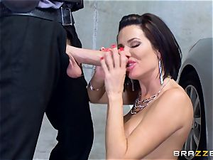 kinky mature Veronica Avluv arched over and plumbed