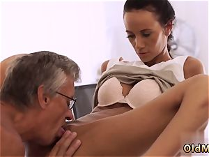 likes dad fuckpole finally she s got her boss prick