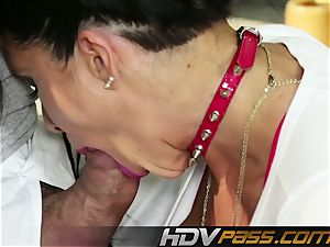 HDVPass legend mummy Romi Rain gets wild