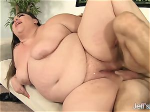plumper Bella Bendz Gets Her ginormous butt pummeled