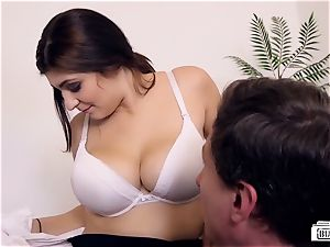donks BUERO - kinky office orgy ends with cum on funbags