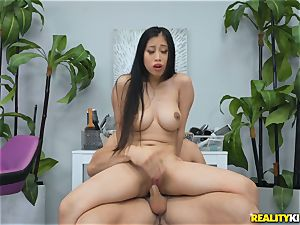 Jade Kush riding on a rigid weenie