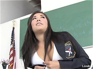 schoolgirl London gets porked on the teacher's desk