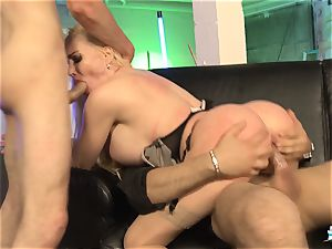 LA COCHONNE - French babe gets dp in super hot MMF threeway