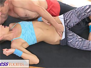 FitnessRooms Ivana Sugar utter bod and vulva stretch