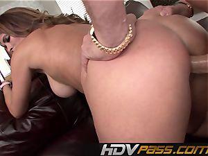 HDVPass Monique Fuentes needs to suck and smash